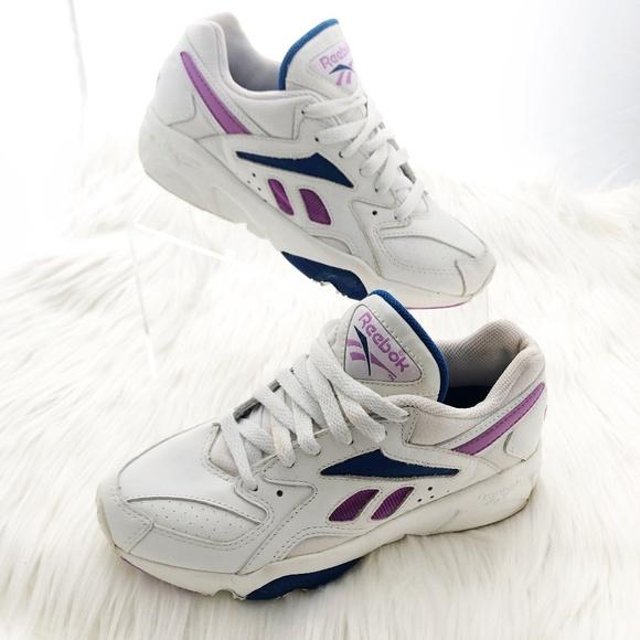 e66fa94e495ea REEBOK Vintage / Retro Women's Sneakers | Size 5.5